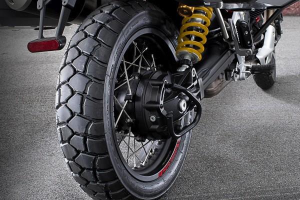 Pneu arrière Sport Adventure Michelin Moto Guzzi V85 TT